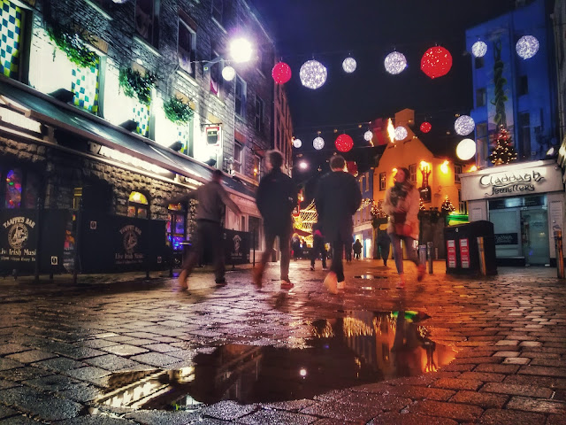 galway city, night time at Christmas