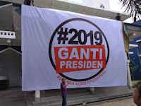 Medan Bergelora!! Spanduk #2019GantiPresiden Terpasang di Masjid Al-Amin Medan