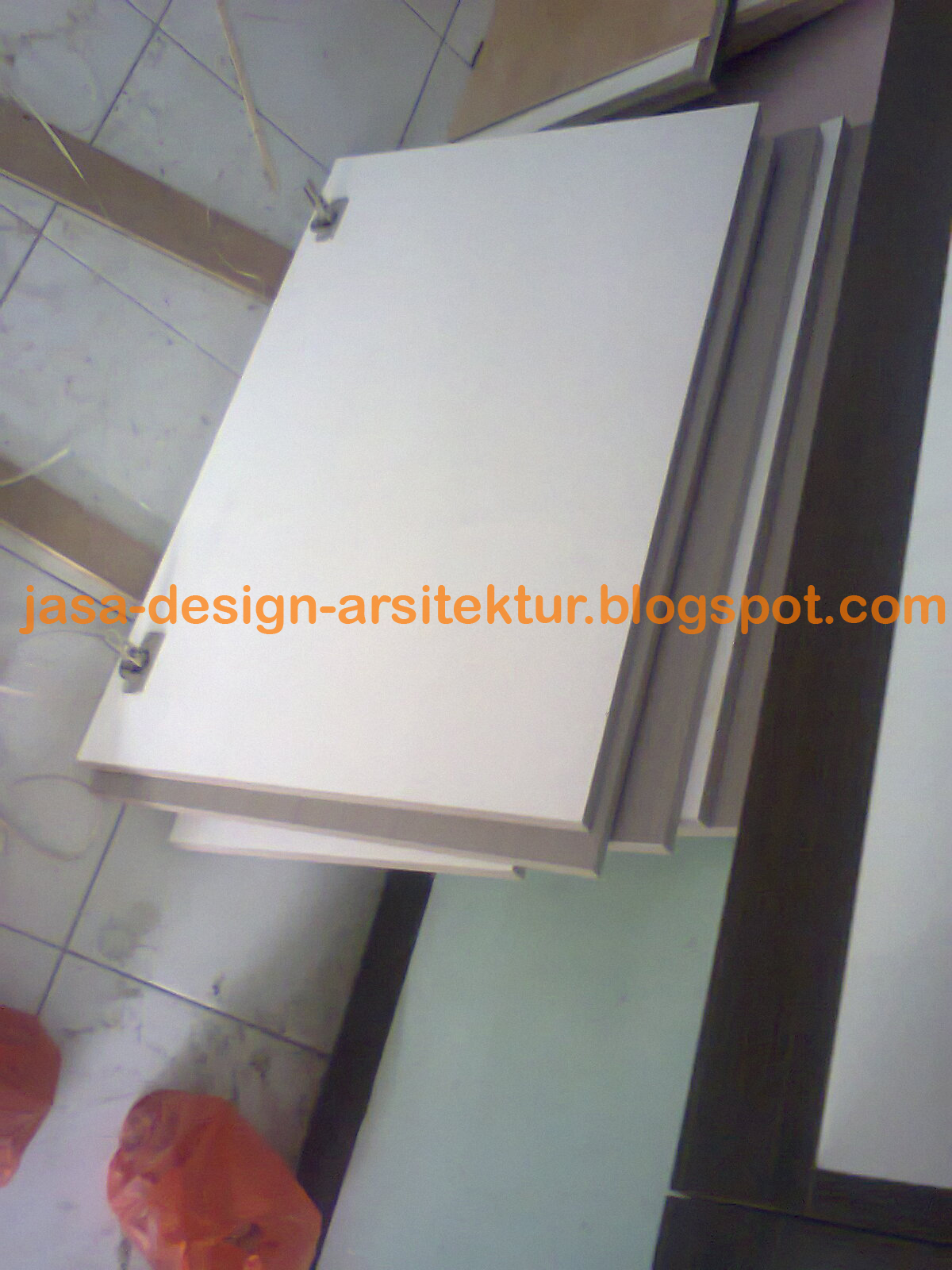 Kontraktor Interior Surabaya Sidoarjo: Kitchen Set Warna Merah
