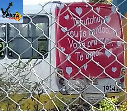 Declaração De Amor Ou Campanha Publicitária Frase Romântica Em