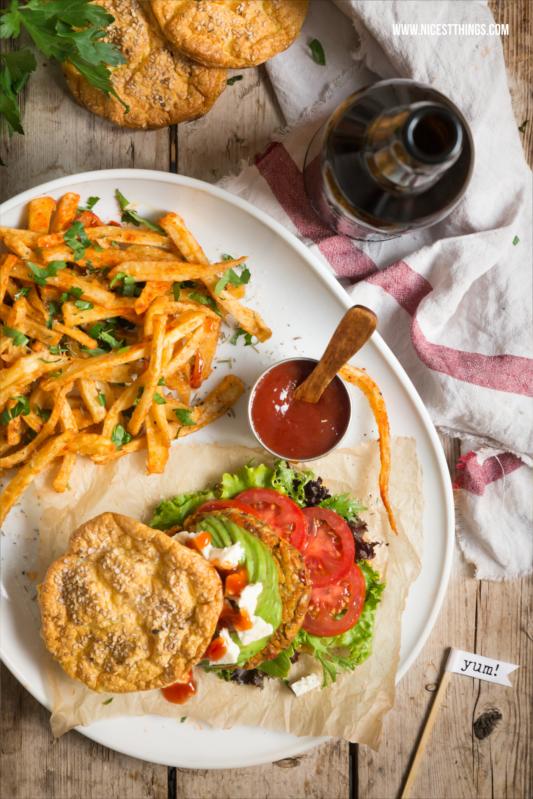 Glutenfreie Burger Buns, Vegane Suesskartoffel Patties, Pastinakenpommes