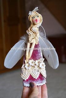 """""""Ангел с колокольчиком"""" из соленого теста (МК), как сделать ангела на Рождество своими руками, мастер-класс с фото, ангелы красивоhttp://handmade.parafraz.space«Ангел с колокольчиком» из соленого теста (МК), Ангелы вдохновения — фото-идеи лепки, Ёлочки из сахарно-желатиновой кондитерской мастики, солёное тесто для лепки рецепт, Задорные ангелы из соленого теста, Как упаковать мелкие сувениры в прозрачный целлофан (МК), солёное тесто для лепки поделки, Снеговик в шубке из мастики, Соленые Ангелы: лепим из соленого теста (МК), Тыковки из кондитерской мастики или помадки, Ангел с колокольчиком и другие... — Мастерим из соленого теста, как приготовить соленое тесто для лепки, что сделать ангелов из соленого теста, что можно слепить из соленого теста, поделки их соленого теста, фигурки мука-соль, как лепить из соленого теста, солёное тесто для поделок состав рецепт, поделки из соленого теста, как замесить солёное тесто для лепки фигурок, как сделать солёное тесто для поделок в домашних условиях, тесто для лепки что можно слепить, фото идеи их соленого теста, солёное тесто рецепт для лепки для детей, поделки из солёного теста своими руками, идеи лепки ангелов, как вылепить ангела, как слепить ангела из соленого теста, ангелы из соленого теста на день влюбленных, ангелы из соленого теста на Рождество, прикольные ангелы из соленого теста, подарки из соленого теста, /"""
