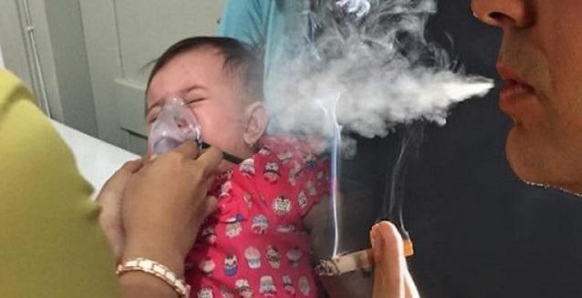Anak 1 Tahun Meninggal Dunia Kerana Asap Rokok, Ingat Jangan Cium Dan Peluk Anak Selepas Merokok !!