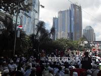 Massa Pendukung Habib Rizieq Gelar Zikir Bersama di Pusdai Jabar