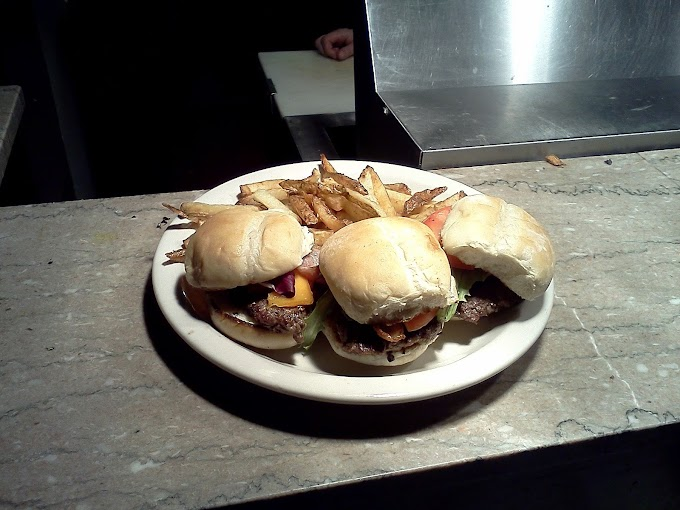 The Battle of the Downtown Memphis Sliders, Part 5