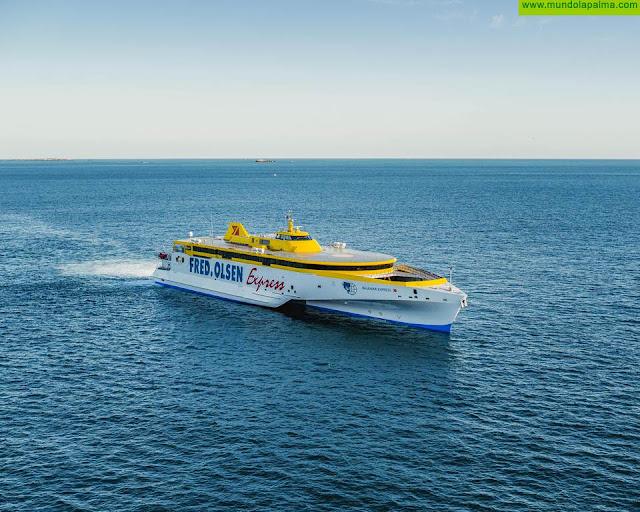El trimarán Bajamar Express incorpora tecnología de vanguardia que reduce el impacto ambiental