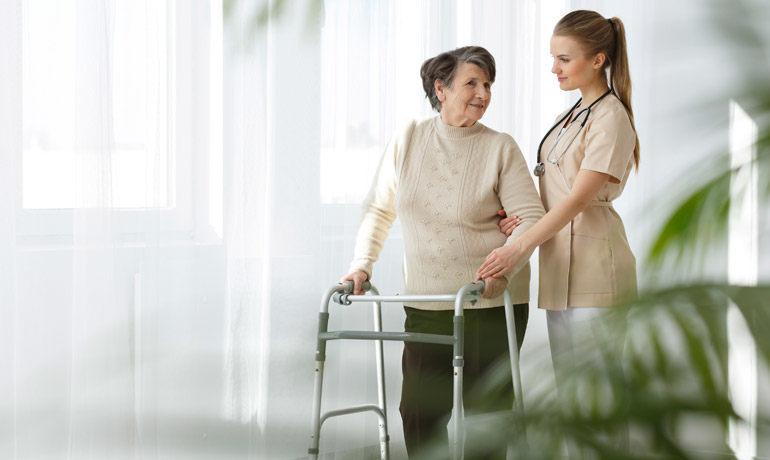 Perawat lansia bergaji lumayan