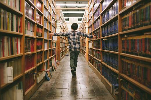 Çocukla Kütüphaneye Gitmek