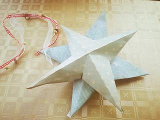 estrella hecha de papel