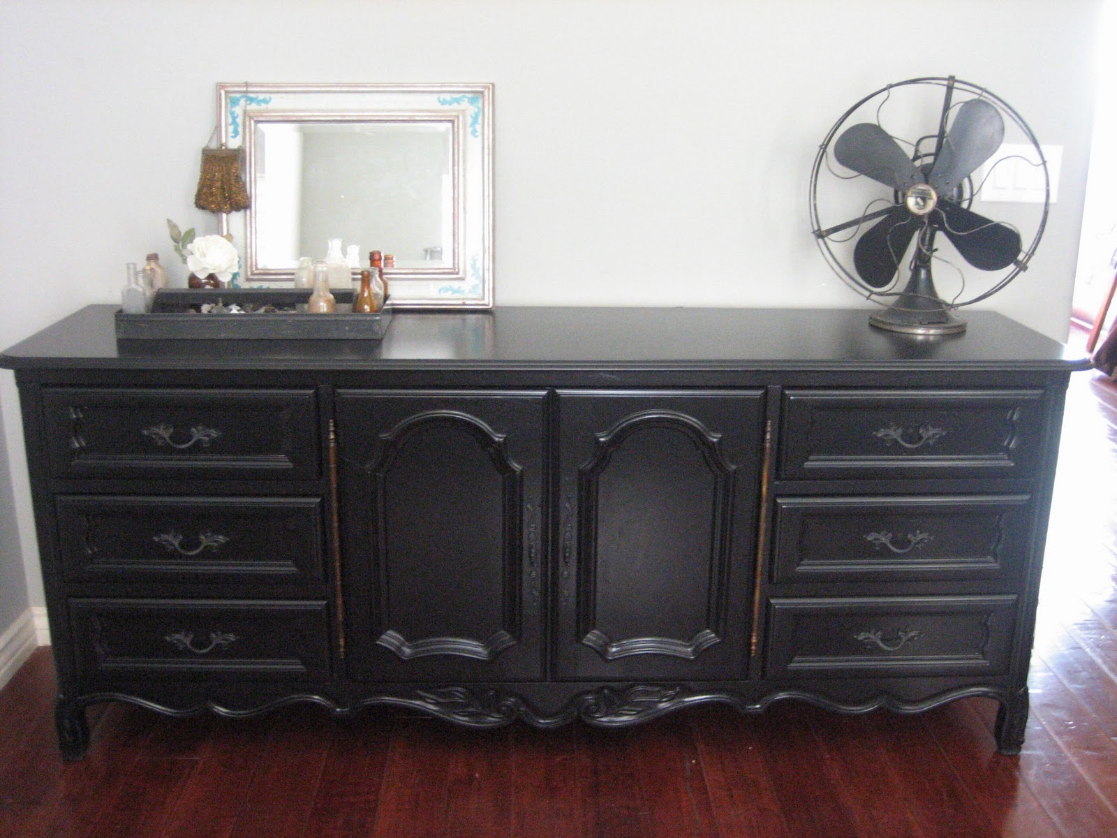 Excellent European Paint Finishes: Black Dresser & a Bed ~ FA73