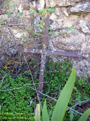 pedro-izquierdo-moya-cementerio-cruz-hierro