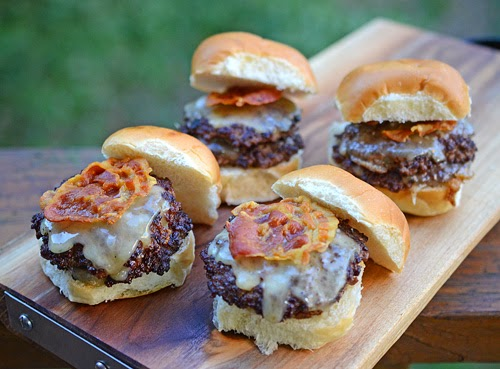 pancetta sliders, grilled sliders, big green egg