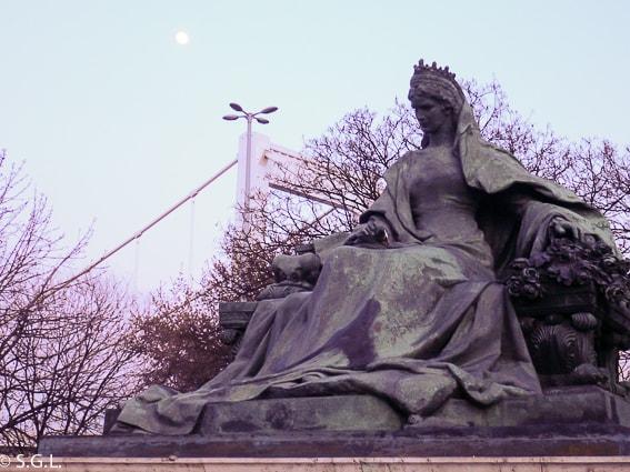 La estatua de Sisi. 16 cosas que ver y hacer en Budapest