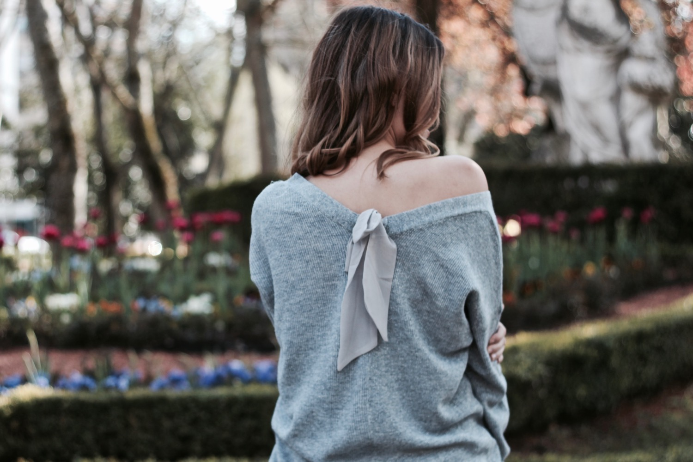 jersey con lazo en la espalda