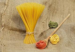 Spaghetti colorati