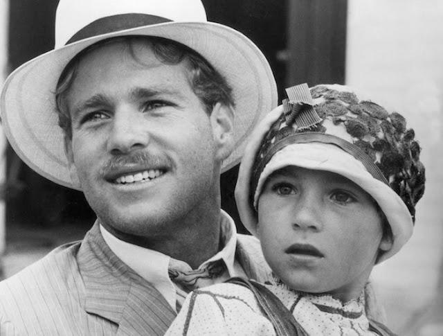 Diễn viên nhí đình đám một thời Tatum O'Neal bên cạnh bố - tài tử Ryan O'Neal
