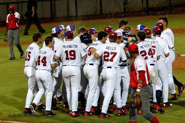 En el tope de beisbol de Cuba con los universitarios de Estados Unidos