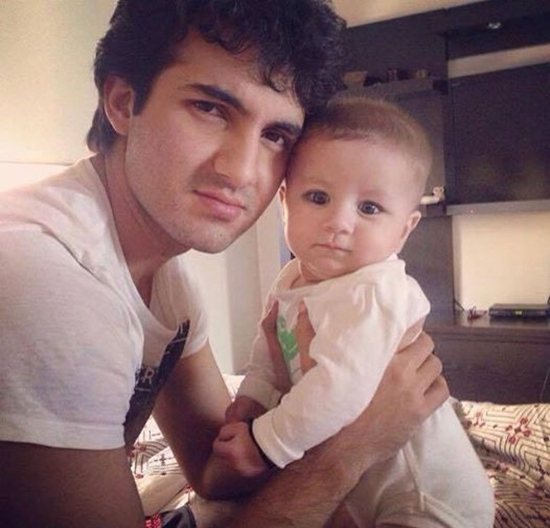 Shehroz Sabzwari with his daughter Nooreh
