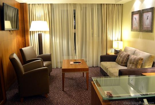 luxury hotel crowne plaza reading
