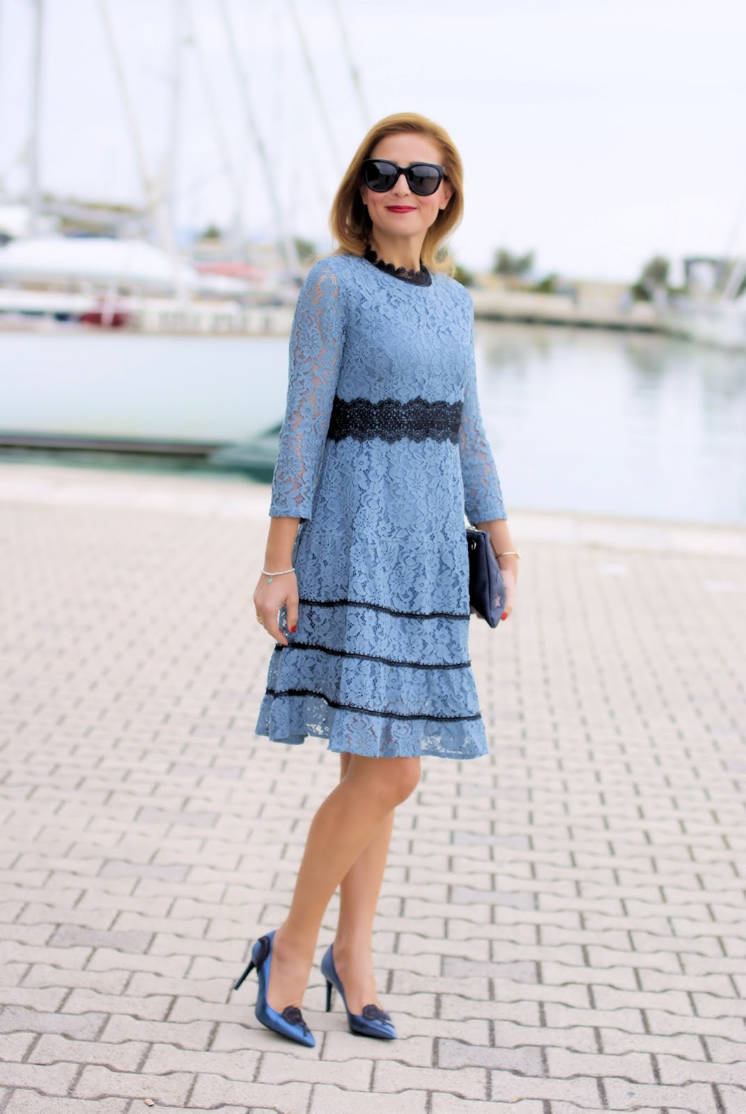 Fall trends: lace is a fashion must have, Metisu lace dress on Fashion and Cookies fashion blog, fashion blogger style