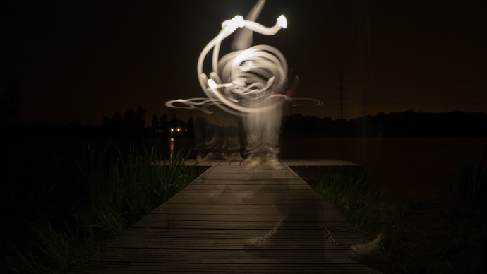 Wallpaper: Long Exposure. Painting with Light
