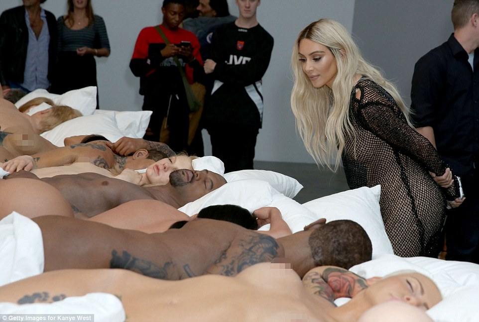 Taylor Swift Naked In Kanye West Video