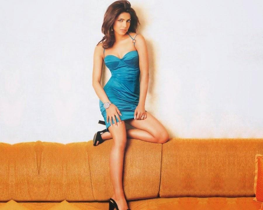 Priyanka Chopra Hot Navel HD Photos