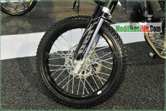 Pelek Jari JAri Dari TK - Modifikasi Suzuki Satria F150 Off Road Style Sederhana Tapi Keren Velg Jari Jari Warna Hitam Airbrush