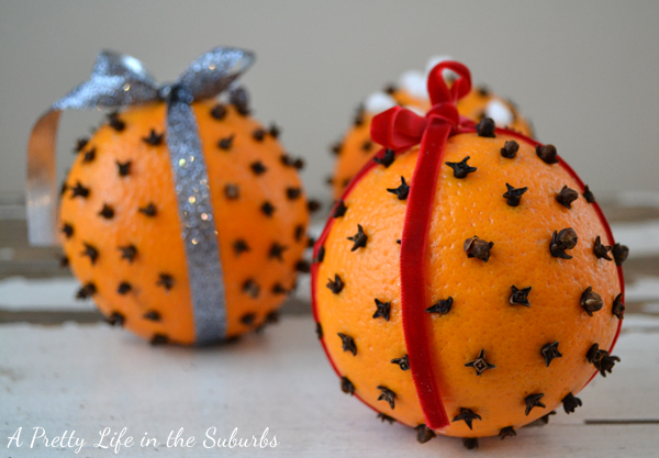 Orange & Clove Pomanders {A Pretty Life}