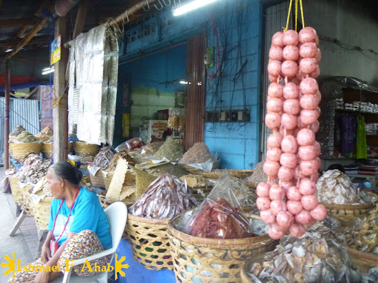 Longganisa for sale in Taboan Market in Cebu City