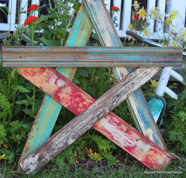 easy summer art ideas http://bec4-beyondthepicketfence.blogspot.com/2014/05/summer-art-ideas.html