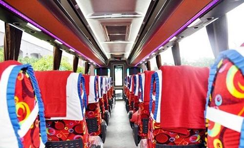 Tempat duduk bus Pahala kencana