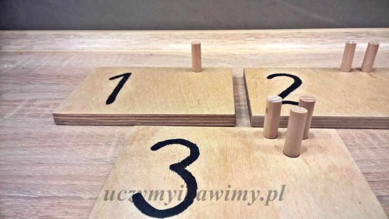 Tabliczki z cyframi Montessori - zrób to sam