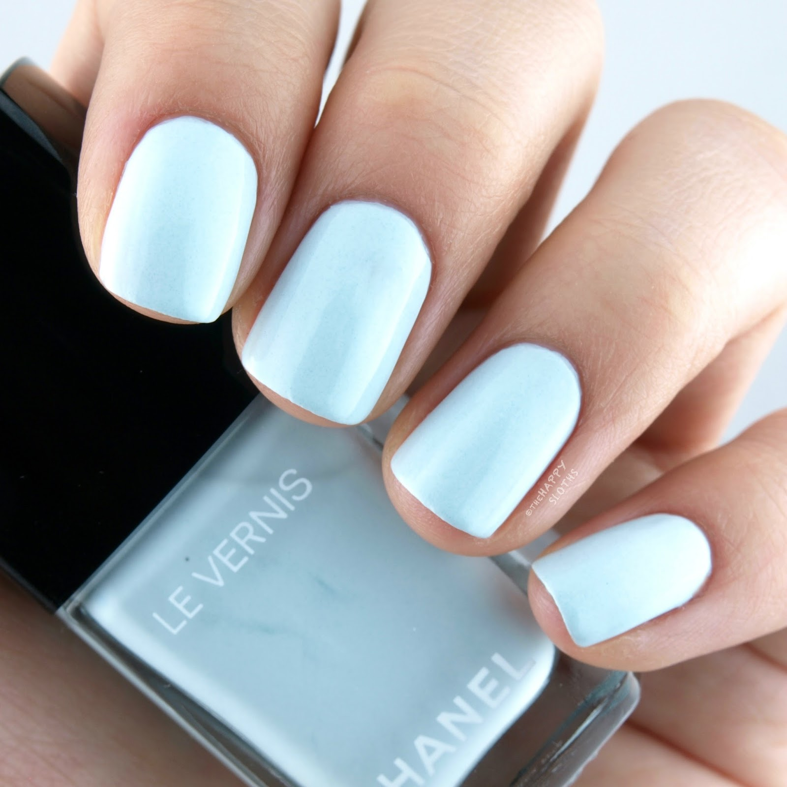 Chanel Spring 2016 Le Vernis 584 Bleu Pastel Review Swatches