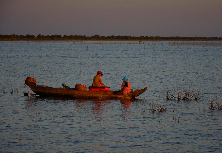 jezioro tonle sap w kambodży