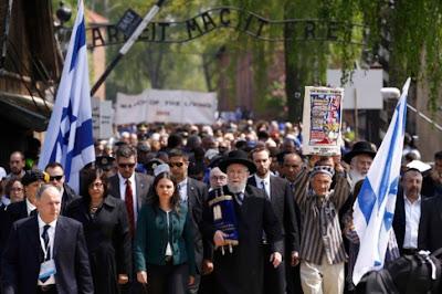 8.000 judíos marchan en Auschwitz en recuerdo a las víctimas del Holocausto