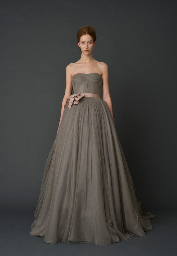 f1602fb68eba Vera Wang wedding dresses are really popular among brides. here we collect  some luxury colored wedding dresses to share with you.