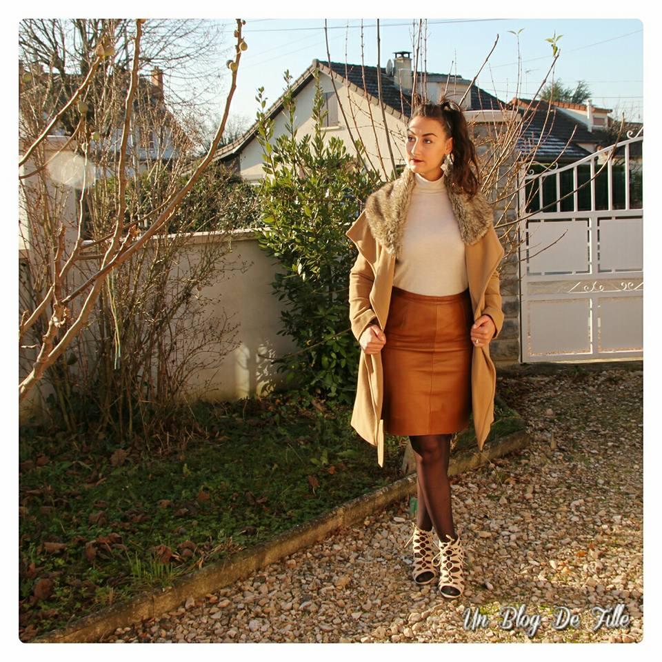 http://unblogdefille.blogspot.fr/2016/12/look-jupe-en-cuir-collant-opaque-et.html