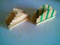 Servilleteros hechos con palitos de helado de madera reciclados