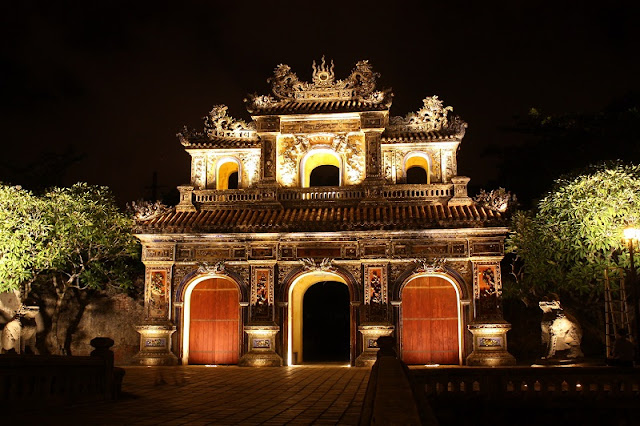 Hue Royal Citadel sparkling by night 3