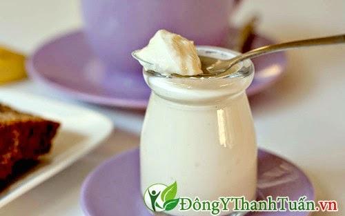 Cách giảm đau dạ dày nhanh cho trẻ từ sữa chua
