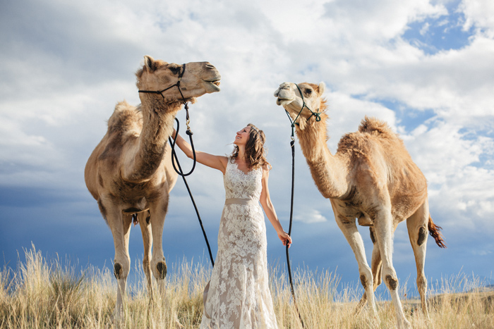 Camel Discovery / Montanan / Photography: Kacie Q. Photography / Hair + Makeup: Emily Toppers / Styling + Flowers: Katalin Green / Dress: Essence of Australia via Plume Bridal / Headpiece: Paris by Debra Mooreland /