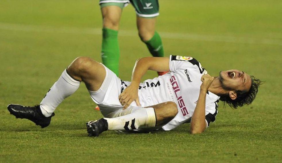 Incredibile! 10 punti al pene di un giocatore di calcio dopo uno scontro