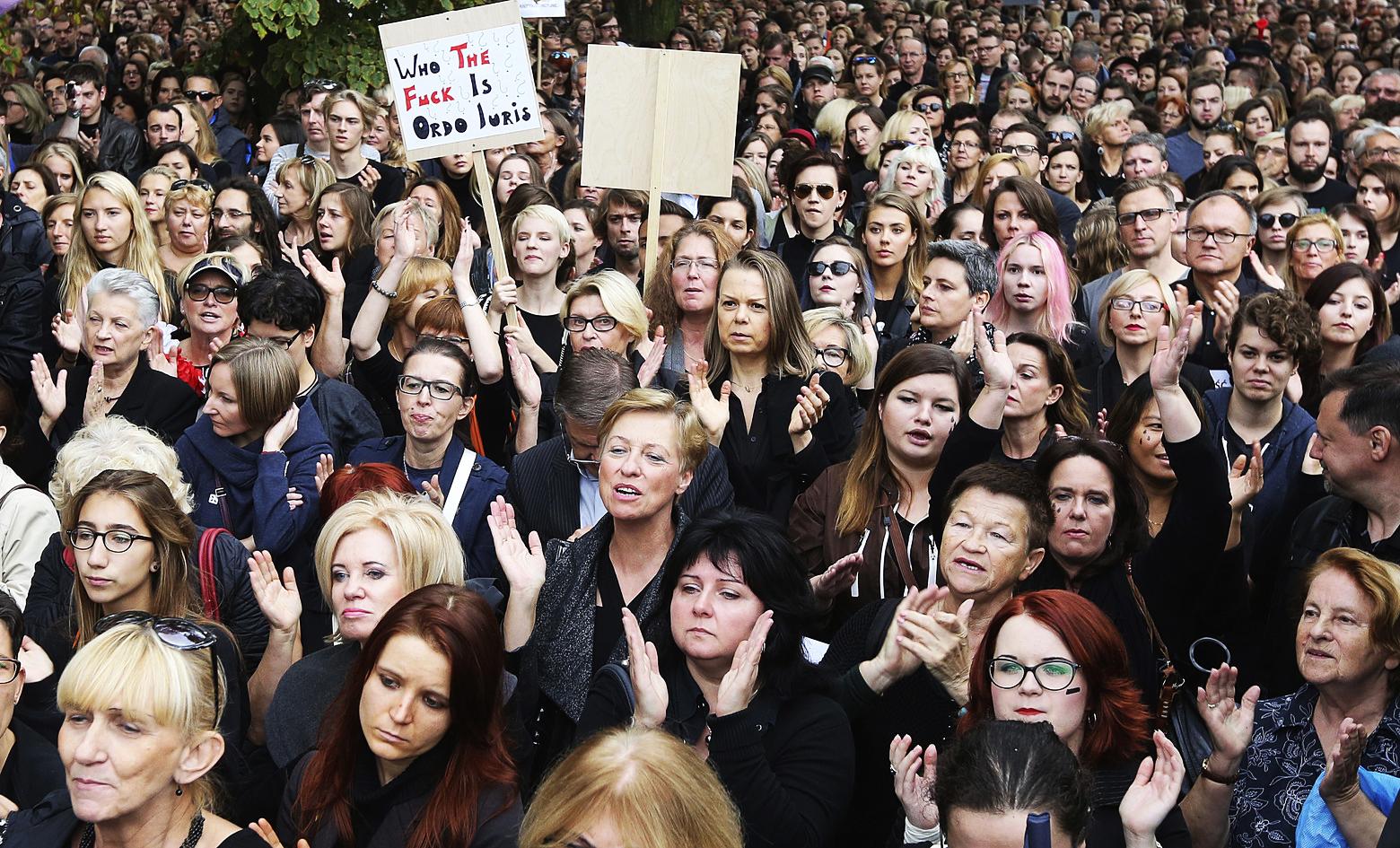 proteste polonia donne