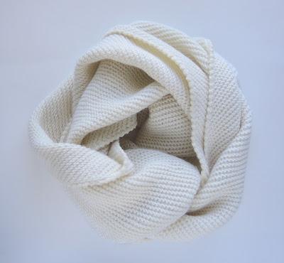 knit.jpg, kniting, снуд, белый, вязание, ручное вязание, диагональная вязка, рачий шаг