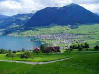 Lago suizo de Thun