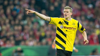 Liverpool and Arsenal in talks with Dortmund for Sven Bender