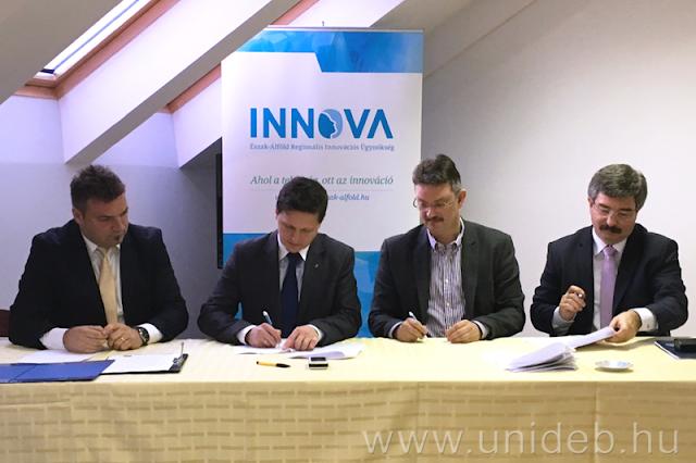 A Debreceni Egyetem hosszútávú energetikai stratégiáját és a pályázati források elérését segítő együttműködési megállapodást írtak alá az Innova Észak-Alföld Regionális Innovációs Ügynökség információs napján.
