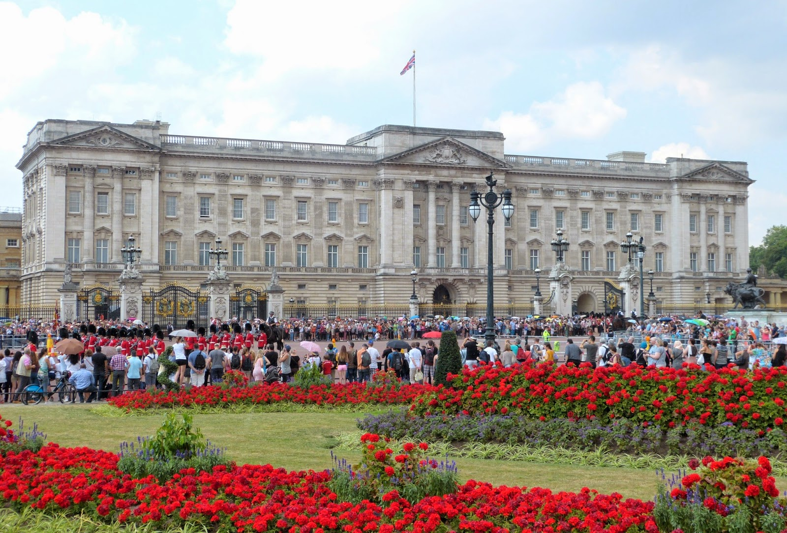 Buckingham Palace 25 July 2014 at changing of the guard