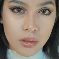 http://www.anamaddock.com/2016/11/rimmel-london-magnifeyes-eyeshadow.html